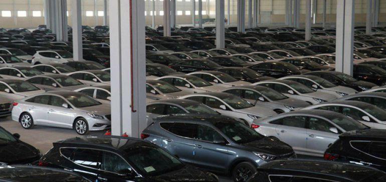 بلاتکلیفی پیشخریدکنندگان خودروهای وارداتی و سکوت سازمان حمایت