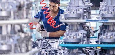 دست تولیدکنندگان از قطعات چینی کوتاه شد / کابوس کرونا برای خودروسازان