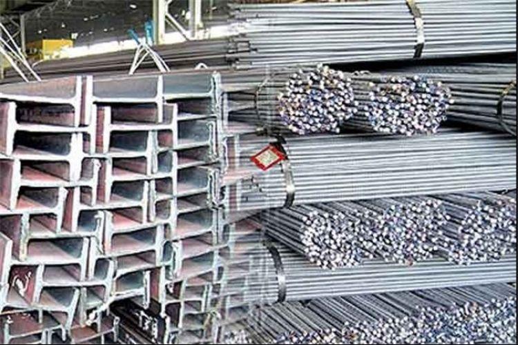 تاثیر افزایش قیمت دلار بر بازار آهن و سیمان