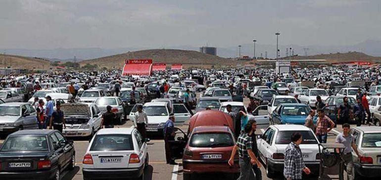 دلالان عامل اصلی گرانی خودرو در بازار هستند