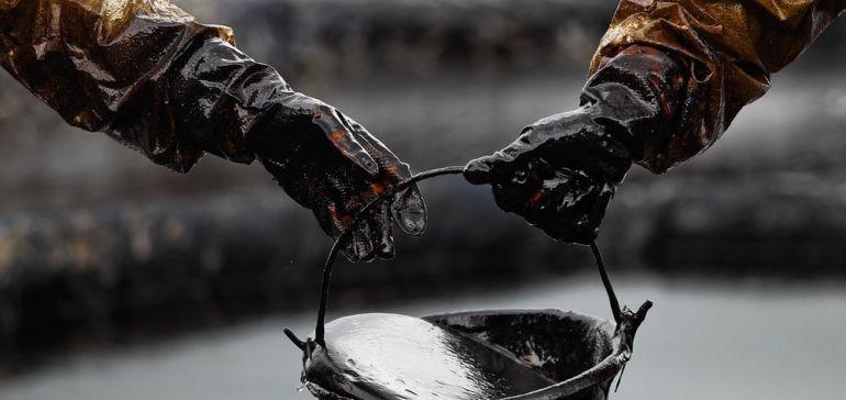 با خروج آمریکا از برجام نفت چقدر گران میشود؟