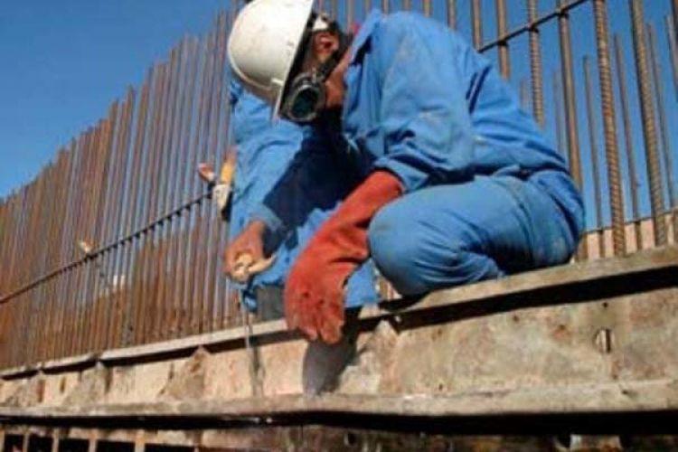 وزارت کار: بیمه بیکاری به تمام کارگران بیکار شده ناشی از سیل پرداخت میشود
