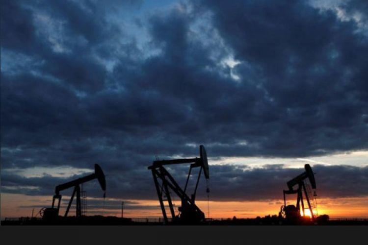 قیمت نفت در آغاز معاملات دوشنبه اندکی افت کرد