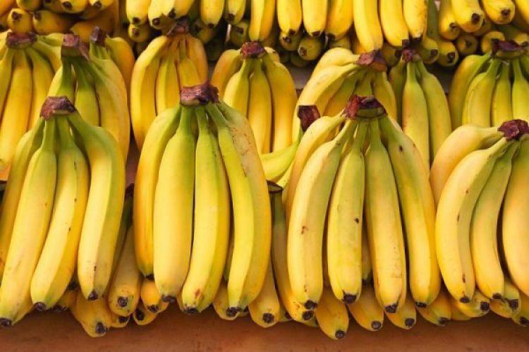 کاهش 5 هزارتومانی قیمت موز / هندوانه روی دست کشاورزان مانده است
