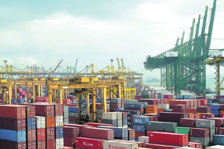 رشد 3 برابری وزنی صادرات در مقایسه با واردات در سال 98