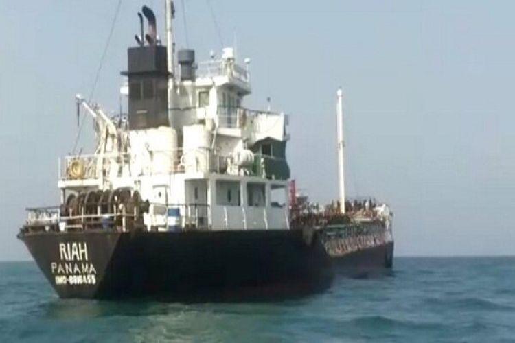 نفتکش توقیف شده ایران سیگنال تغییر مقصد ارسال کرد