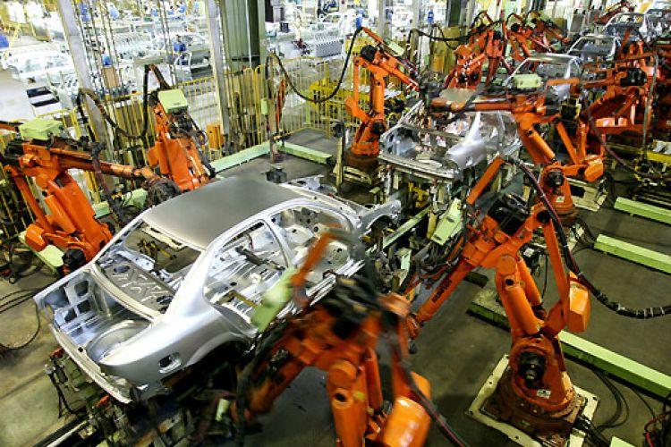 مجلس و دولت و خودروسازان کنار آمدند/ قیمت رسمی خودرو حداقل 10 میلیون گران میشود