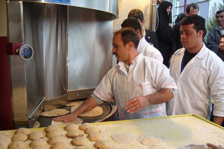 قیمت نان افزایش نخواهد یافت / نرخ آرد خبازی ثابت می ماند