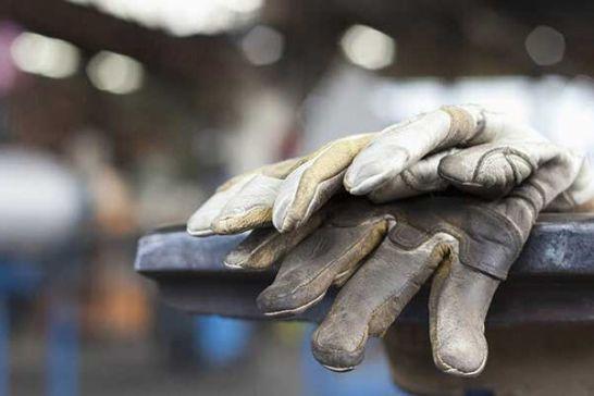 مشکلات کارکنان نفت با استفاده از منابع دولتی فوری برطرف میشود