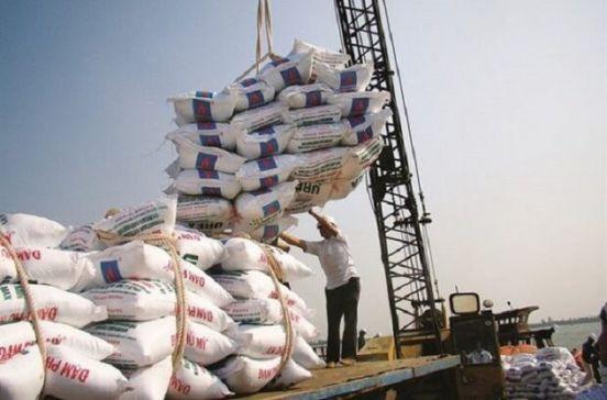 ممنوعیت واردات برنج برداشته شد/ دپوی 200 هزار تن برنج در گمرکات