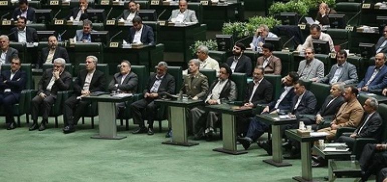 16 وزیر پیشنهادی دولت رای اعتماد گرفتند، به جز بیطرف