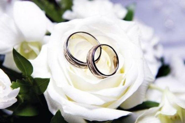 پرداخت تسهیلات 15 میلیون تومانی ازدواج در شعب بانک ملی