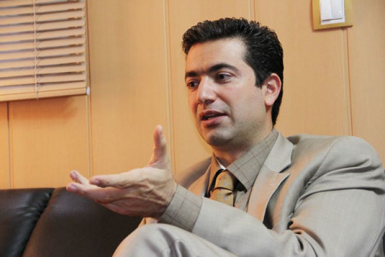 انتقاد نائب رییس اتاق ایران از تعدد بخشنامههای ارزی/ پدرام سلطانی: ارز به سامانه نیما میدهیم، کسی نمیخرد