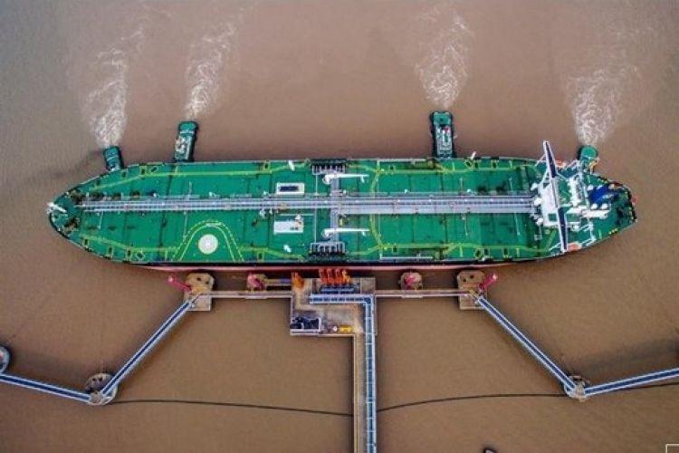 رویترز: محموله 130 هزار تنی نفت ایران به چین رسید