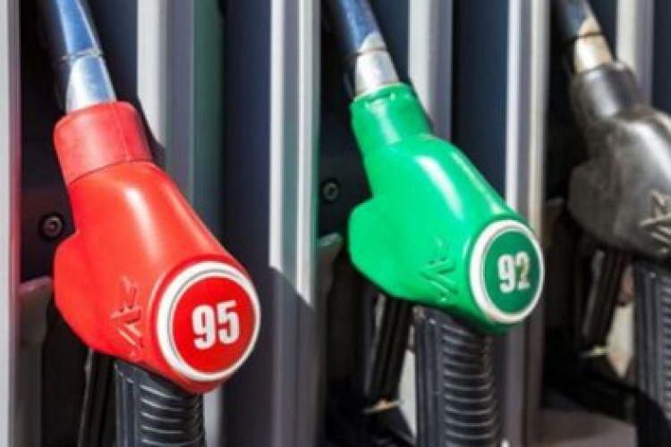 افزایش قیمت بنزین، تورم را بالا نمی برد/ بین سالهای 92 تا 96 قیمت بنزین دو برابر شد، تورم از34 درصد به زیر 10 درصد رسید
