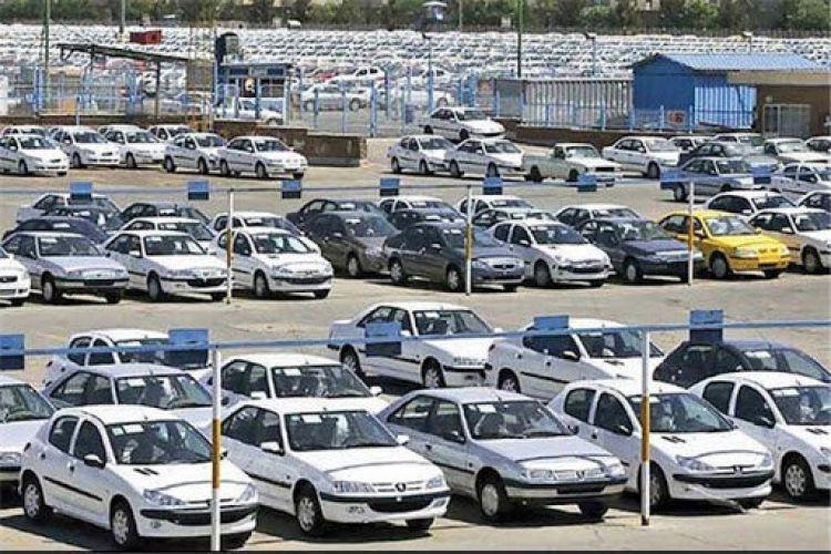 کلید گشایش قفل بازار خودرو / اکنون بند ناف قیمت کالاها به نرخ ارز گره خورده است