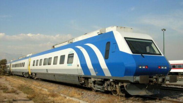 وزیر راه خبر داد: تامین قطارهای سریع السیر با سرعت 300 کیلومتر بر ساعت / ایجاد حملونقل مشترک ریلی با کشورهای خارجی