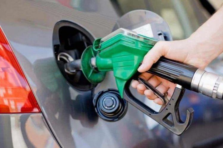 مصرف بنزین سوپر کاهش یافت/ کاهش عرضه بدلیل عدم استقبال مردم