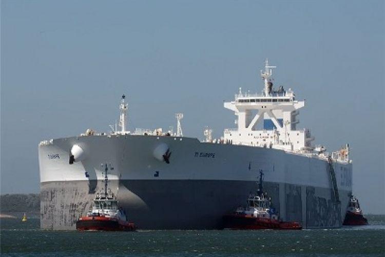 ایران قیمت نفت سبک خود در بازار آسیا را افزایش داد