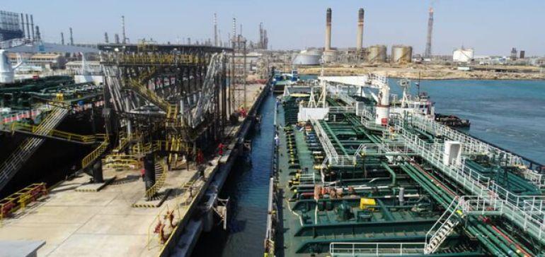 نفتکش ایرانی در بندر ونزوئلا پهلو گرفت