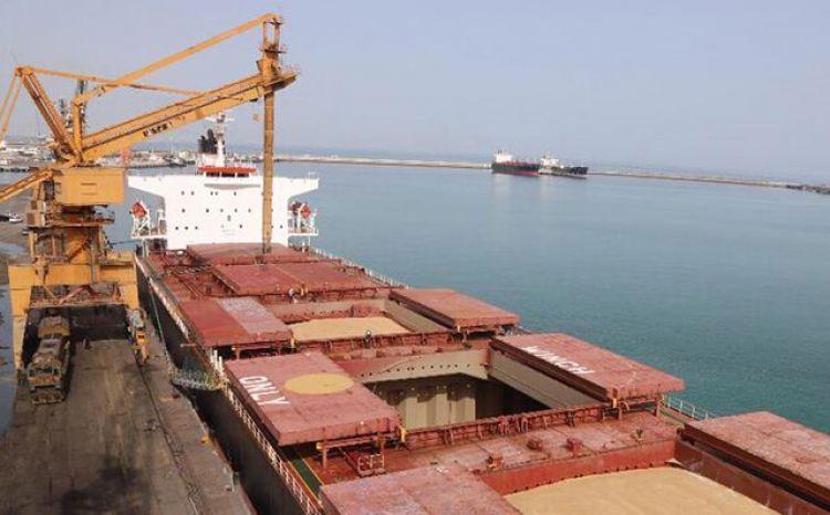پهلوگیری 2 کشتی حامل روغن خوراکی در بندرشهیدرجایی