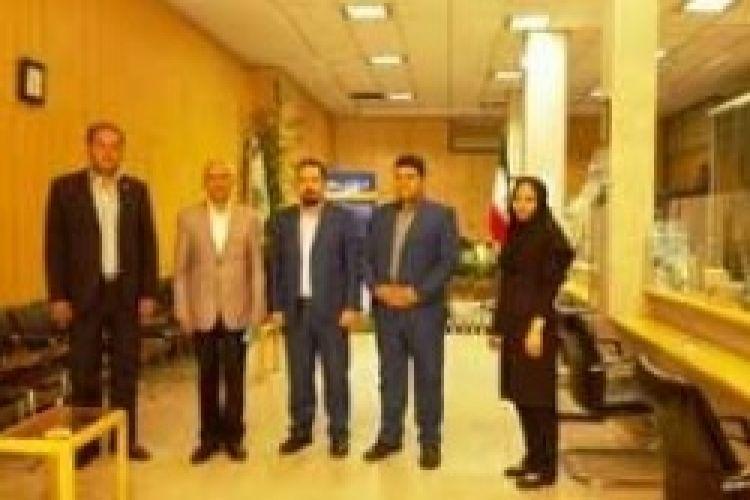 بازدید مدیرعامل بانک سرمایه از شعبه اسدآبادی