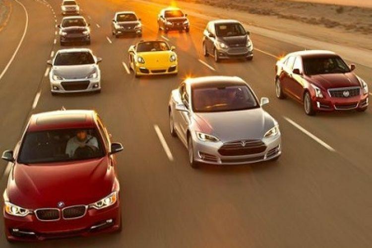 واردات خودروهای بالای 2500 سی سی همچنان ممنوع
