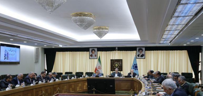 بانک مرکزی، مدیریت تجارت خارجی کشور بدون نفت را به طور جدی پیگیری می کند