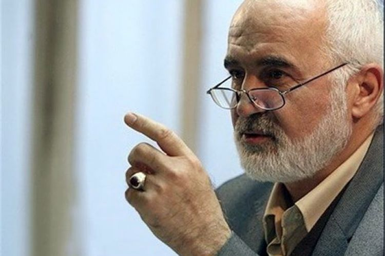 احمد توکلی: تلاطم بازار ارز عجز و ناتوانی دولت را نشان میدهد
