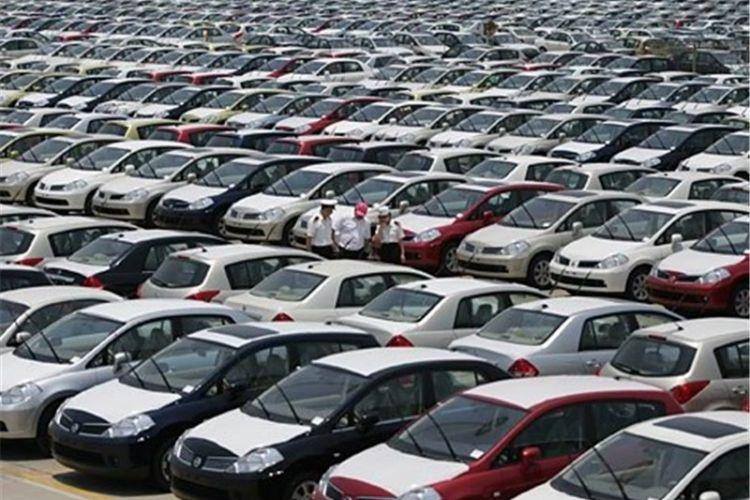 احتکار 90 هزار دستگاه خودرو به بهانه نقص قطعه/خودروسازان به دنبال سود بیشتر