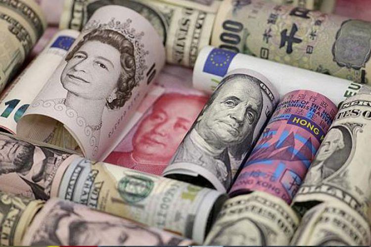 کشف میلیاردیِ ارز قاچاق در فرودگاه امام