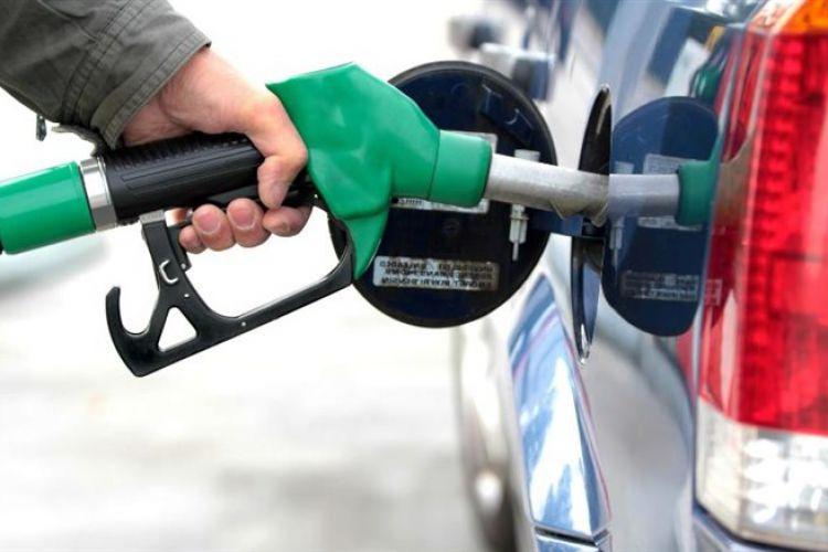 تخصیص سهمیه 120 لیتری بنزین نوروزی صحت ندارد