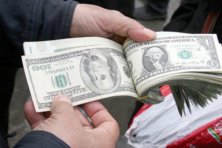 اظهارات نایب رئیس کمیسیون اقتصاد درباره پشت پرده قیمت دلار
