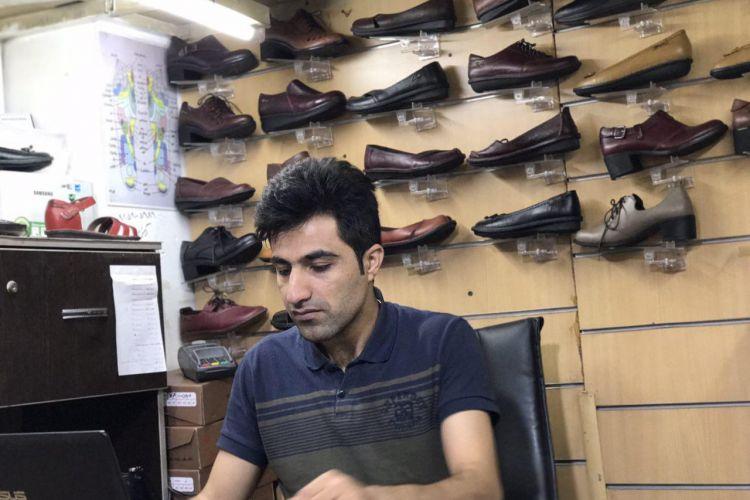 بازار کفاشان وطنی در شب عید کساد است/ضرورت توزیع بن خرید کالای ایرانی