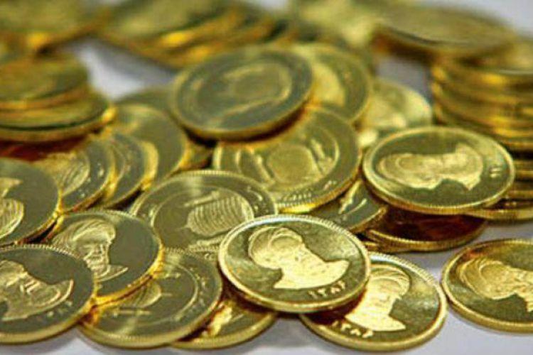 چهارمین افت متوالی قیمت سکه رقم خورد / دلار همچنان در حال نوسان